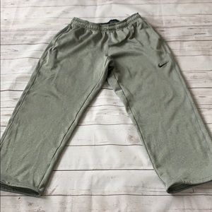 Nike thermafit sweatpants size large